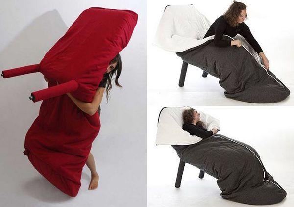 Стул с одеялом