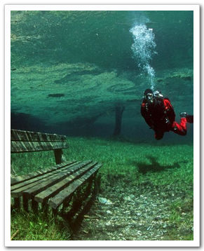 В Австрии нагорное озеро превратилось в подводный парк