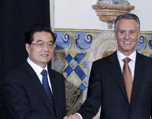 Ху Цзиньтао встретился с президентом Португалии Анибалом Каваку Силвой