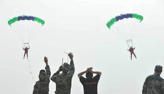 Таинственная парашютная команда «1 августа»