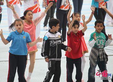 Акивная подготовка к церемонии закрытия 16-х Азиатских игр