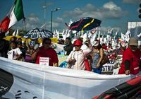 Крупономасштабные публичные демонстрации «встречают» Конференцию ООН о климатических измениях в Канкуне