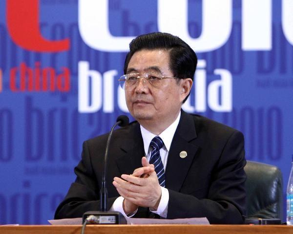 Лучшие дипломатические фотографии китайских руководителей 2010 года