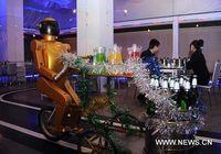 В Восточном Китае появился ресторан, где служат роботы
