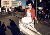 Китайская киноактриса Цинь Лань на улицах Мадрида