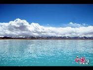 Намцо – самое крупное озеро в Тибетском автономном районе, второе по величине соленое озеро в КНР и самое высокое в мире - относительно уровня моря.