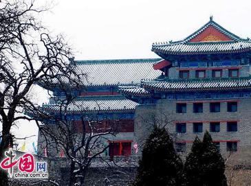 Древние пекинские стены в снежных нарядах