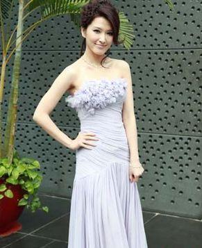 Сексуальная тайваньская кинозвезда Сюй Цзеэр