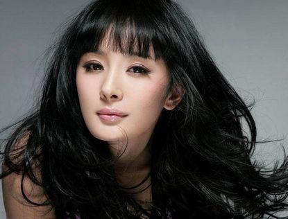 Популярная в Китае актриса Ян Ми