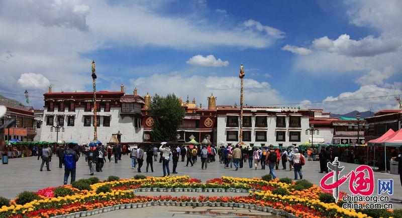 Дворец Потала и храм Дачжаосы в Тибете