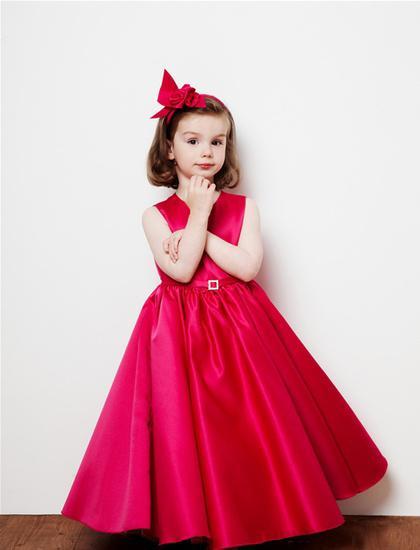 Комментарий: Детские вечерние платья 2011 от Betsey Couture.