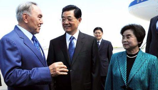 Ху Цзиньтао прибыл в Астану с государственным визитом в Казахстан и для участия на саммите ШОС