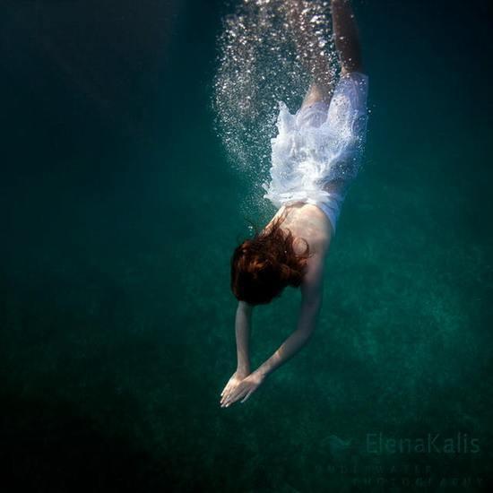Фотографии людей, снятые русским фотографом Еленой Калис в воде