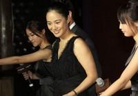 Чжоу Юнь и Цзян Вэнь на коммерческом мероприятии