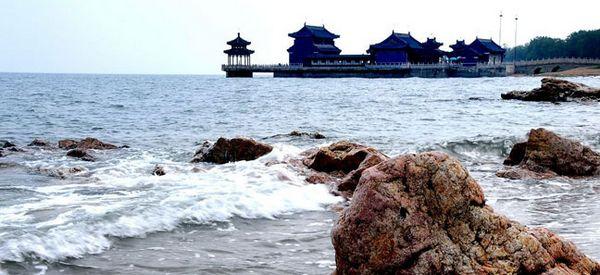 Начало Великой китайской стены – Лаолунтоу (?Голова дракона?) в Циньхуандао