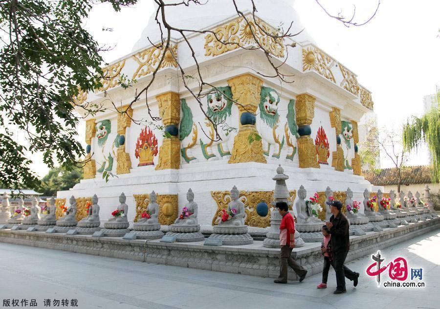 Самый большой храм в городе Шэньян – Бэйта Фалуньсы