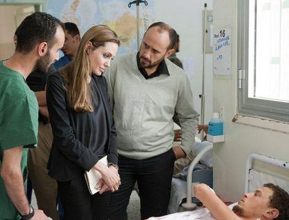 Анджелина Джоли посетила Ливию