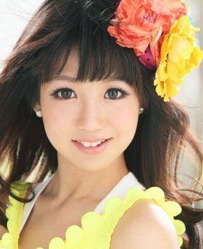 Яркая тайваньская красотка Го Шуяо