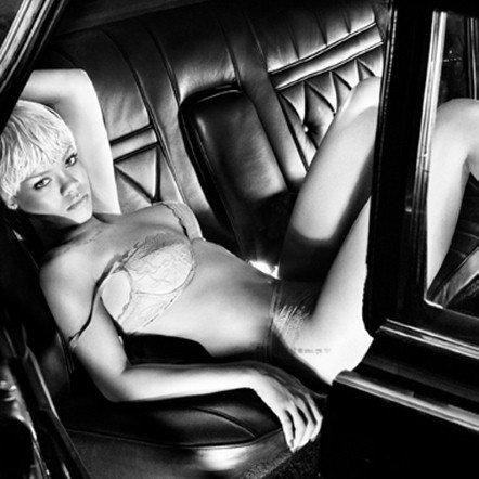 Самые сексуальные рекламные фотографии 2011 года 2