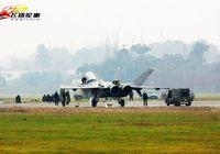 Испытательный полет истребителя «Цзянь-20» в 2012 году