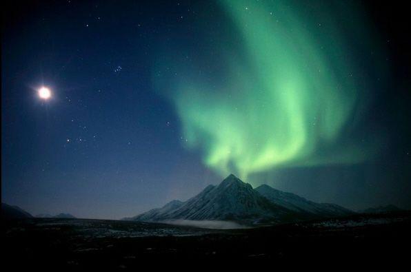Красивое полярное сияние в объективе японского фотографа