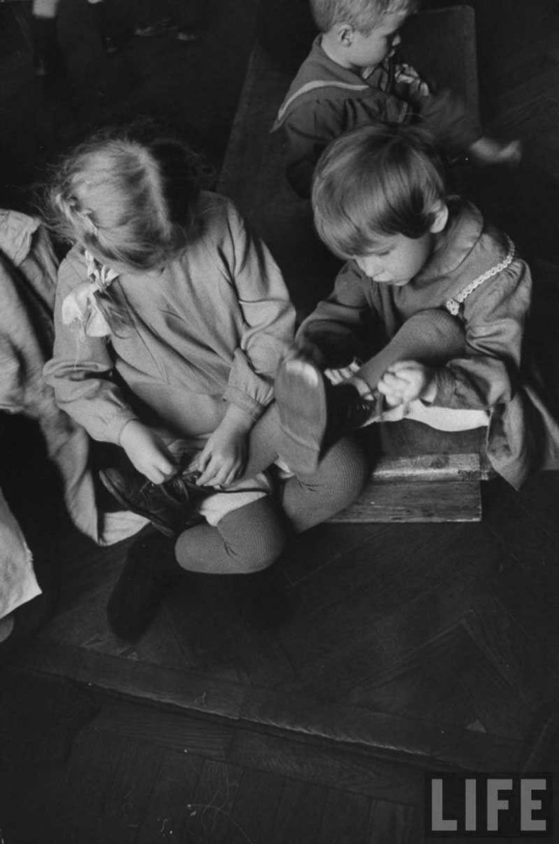 Soviet Kindergarden of 1960s By Life Magazine (17 Photos) .