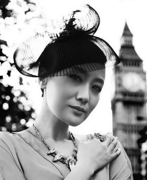Фото: Певица Тань Цзин в Лондоне
