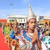 Ларец со Священным Зубом Будды доставлен обратно в Пекин из Мьянмы, где ему поклонилось рекордное количество людей -- 4 млн