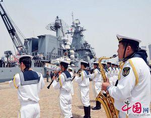 Отряд боевых кораблей ВМС России, принявший участие в учениях 'Морское взаимодействие-2012', покинул порт Циндао
