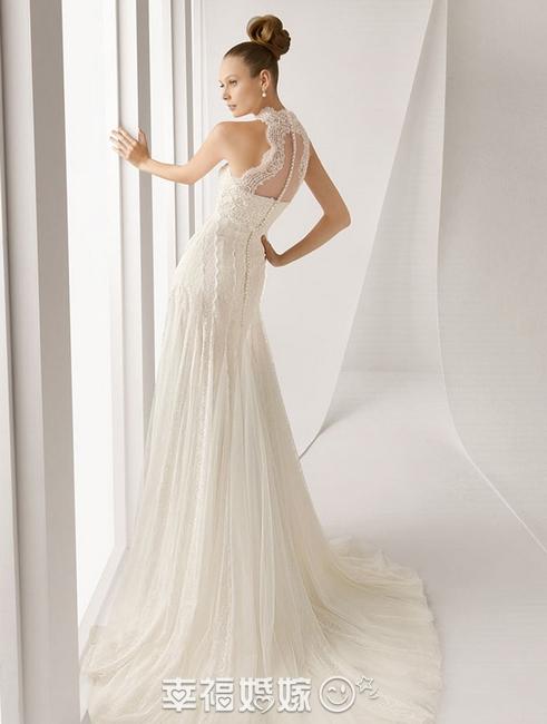 Изящные кружевные свадебные платья