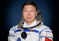 Резюме космонавтов пилотируемого корабля «Шэньчжоу-9»: Лю Ван