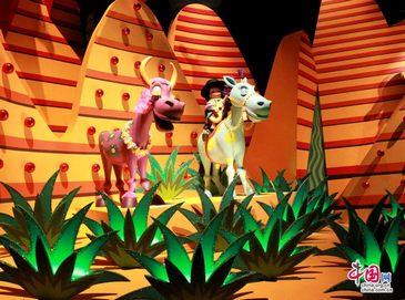 Сказочный «Маленький мир» в Сянганском Диснейлэнде