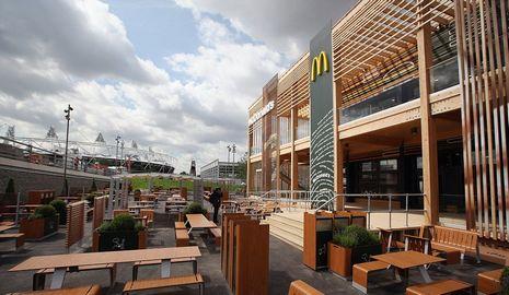 Самый большой в мире ресторан «Макдональдс» расположен в Олимпийском парке Лондона