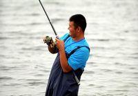 Соревнования по рыбной ловле на озере Улуньгу в Синьцзяне