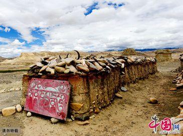 Фото: Храм Толиньсы в Тибете
