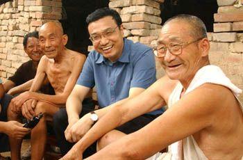 Ли Кэцян -- человек, который всегда ставит народ на первое место