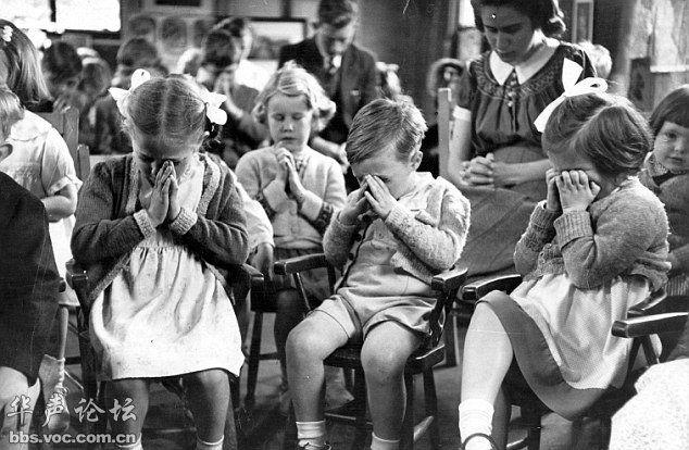 Фото: Бедные дети во время Второй мировой войны _russian ...: http://russian.china.org.cn/exclusive/txt/2013-01/09/content_27633427_16.htm