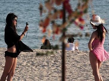 Теплая Санья привлекает туристов