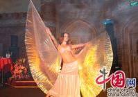 Выступление с танцами на торжественном мероприятии по поводу празднования двух лет со дня открытия ресторана «Шаш» в Пекине (1)