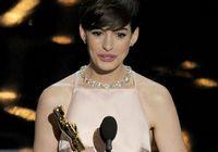 Энн Хэтэуэй получила «Оскар» за роль второго плана