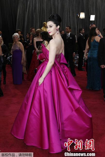 Фото: Звезды на красном ковре 85-й церемонии вручения премии Оскар