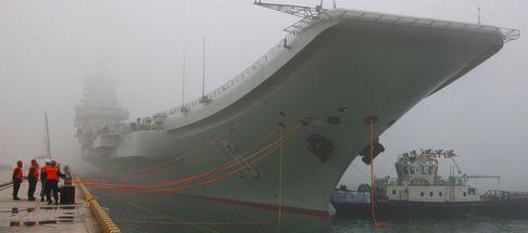 Почему Циндао стал военным портом для авианосца 'Ляонин'?