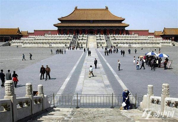 Красотка Лю Ифэй в модных блокбастерах_russian.china.org.cn