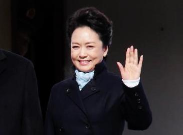 В Интернет-магазине «Таобао» появились сумка и пальто «как у первой леди Пэн Лиюань»2