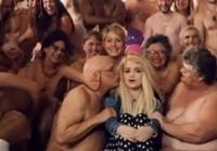 Видеоклипы в голом виде, видео в очень хорошем качестве с красивой девушкой любовь