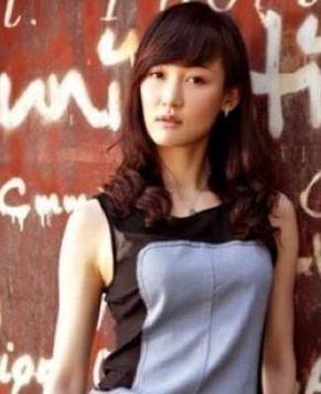 Красивая невеста известного теннисиста Ван Хао