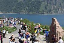 В настоящее время в живописной зоне озера Тяньчи встречается туристический пик