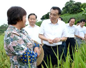 Ли Кэцян в ходе поездки по Гуанси-Чжуанскому автономному району пообещал ему политическую поддержку