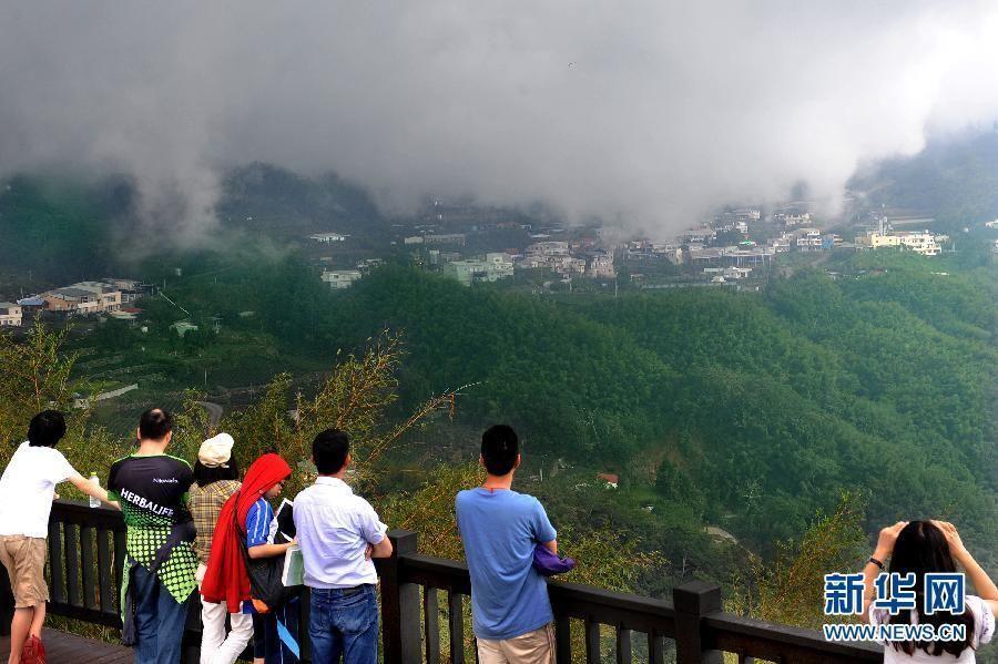 Одна из лучших достопримечательностей гор Алишань на Тайване - Сидин
