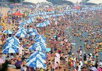 8 больших пляжей Циндао заполнили более чем 400 млн человек из-за продолжительной жары